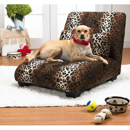 Enchanted Home Pet Elliot Chaise Lounge - Leopard